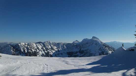 Looking across the snowy plateau towards Zupkios Ridge and Yak/Nak/Thar Group