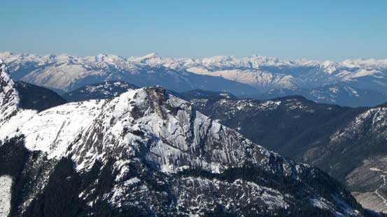 Reh Peak in the foreground with peaks west of Fraser Canyon behind