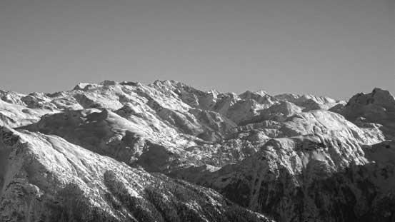 Peaks in this group include Kwoiek, Mehatl and Kumkan