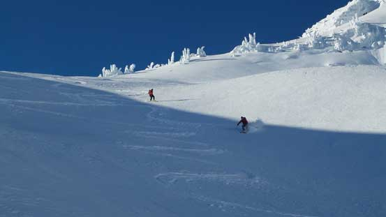 Skiing down the east slopes of Famine Mountain