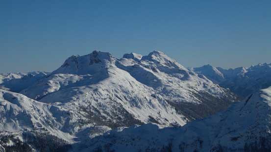 Nahatlatch Peak massive