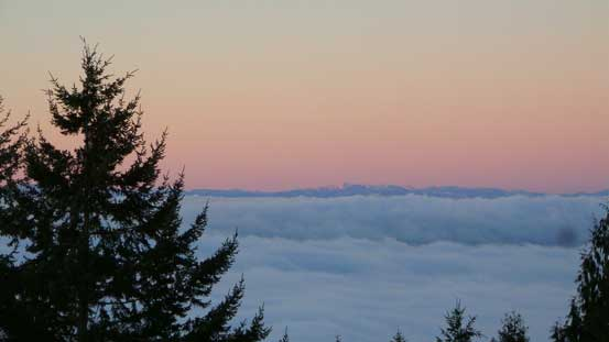 Alpenglow on the southern Vancouver Island's peaks