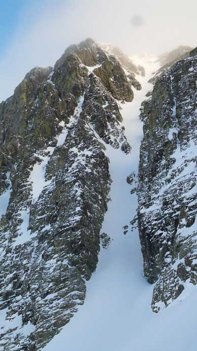Aussie Couloir properly displaced!