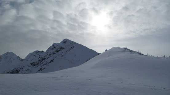 Plodding up the broad ridge/plateau