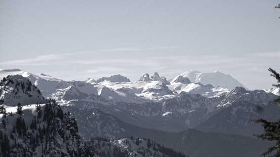 The grand daddy - Mt. Rainier pokes behind