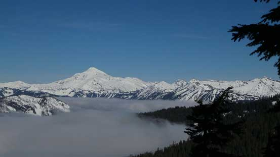 Glacier Peak and the valley clouds