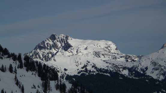 Tomyhoi Peak from south