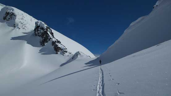 Traversing towards Sphinx Pass