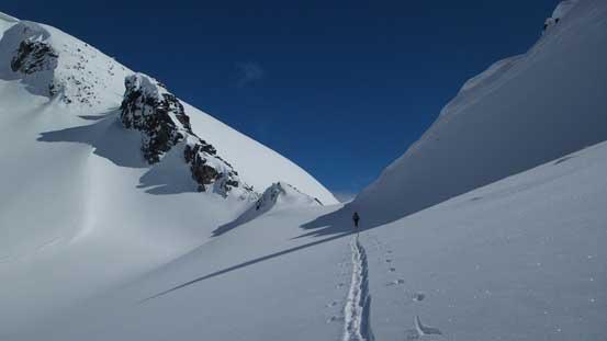 Traversing towards Sphinx Pass