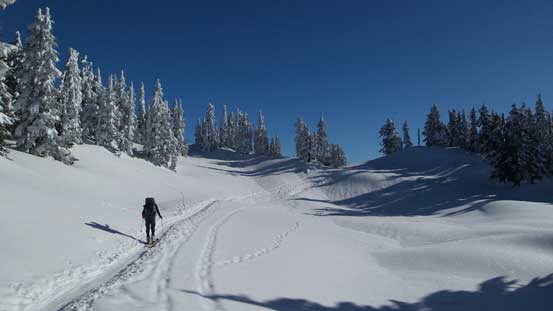 Continuing up along Paul Ridge's winter route