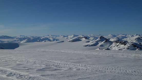 Looking north over Les Gendarmes towards the Pemberton Icefield