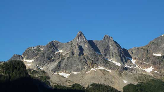 These are two unnamed summits south of Slesse Mountain. They look surely impressive