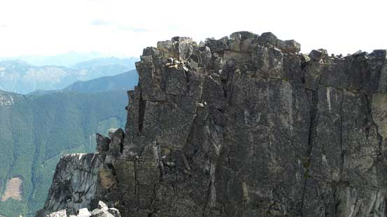 The true summit from middle summit. That infamous V-shaped chimney is visible on left