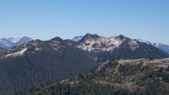 Another unofficial summit nearby - Pollen Peak
