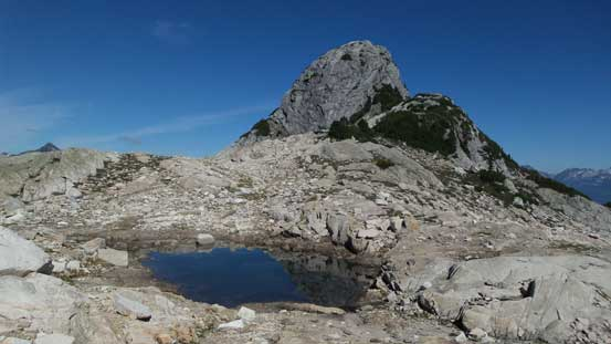 Back to this beautiful tarn below the second bump now