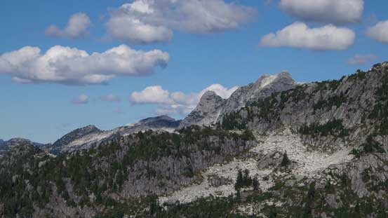 The tip of Meslilloet Mountain showed up behind the SW Ridge of Mt. Bonnycastle