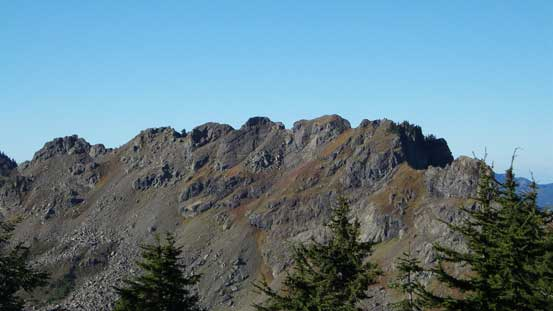 The summit crags on Sauk Mountain. The true summit is at center