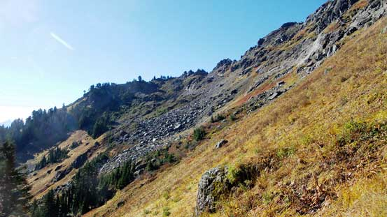 Plodding up the NE Ridge of Sauk Mountain now. It's time to traverse this bench.
