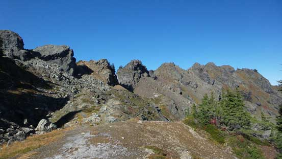 One last look at the summit crags on Sauk Mountain
