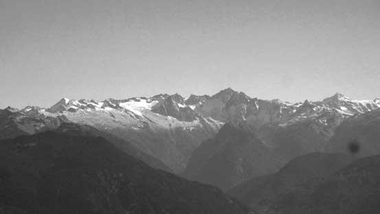 Eldorado Peak is always an eye-catching giant, also nearby Cascade Pass