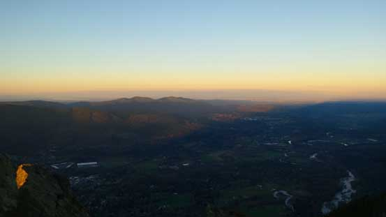 Another picture of the morning colours over Snoqualmie River Valley