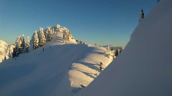 Traversing towards the highest point on Magnesia Peak