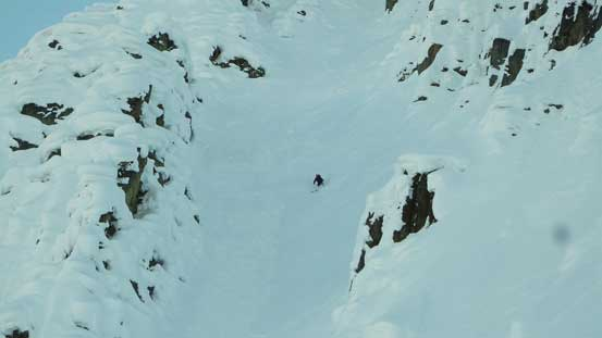 This guy from another group took a even-steeper couloir down.