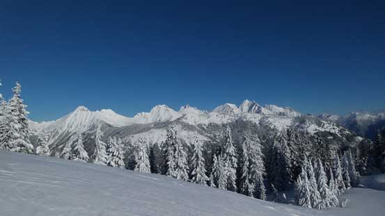 A full view of Cheam Range - the main reason why I came up here in winter conditions!