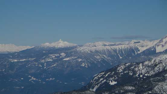The Black Tusk is easily recognizable from any direction. On the right is Brohm Ridge