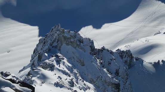 One of the pinnacles on the S. Ridge of Phalanx Mtn.