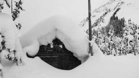 Arriving at Snowspider Hut
