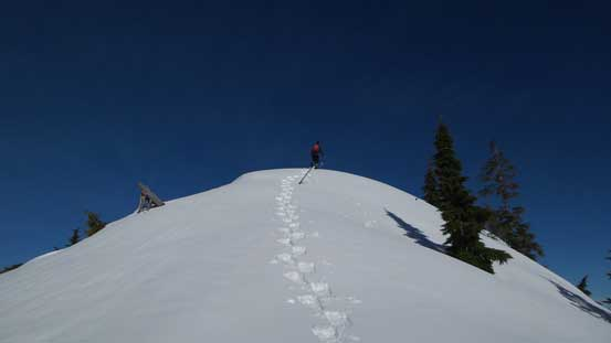 The last few steps to the summit of S. Needle